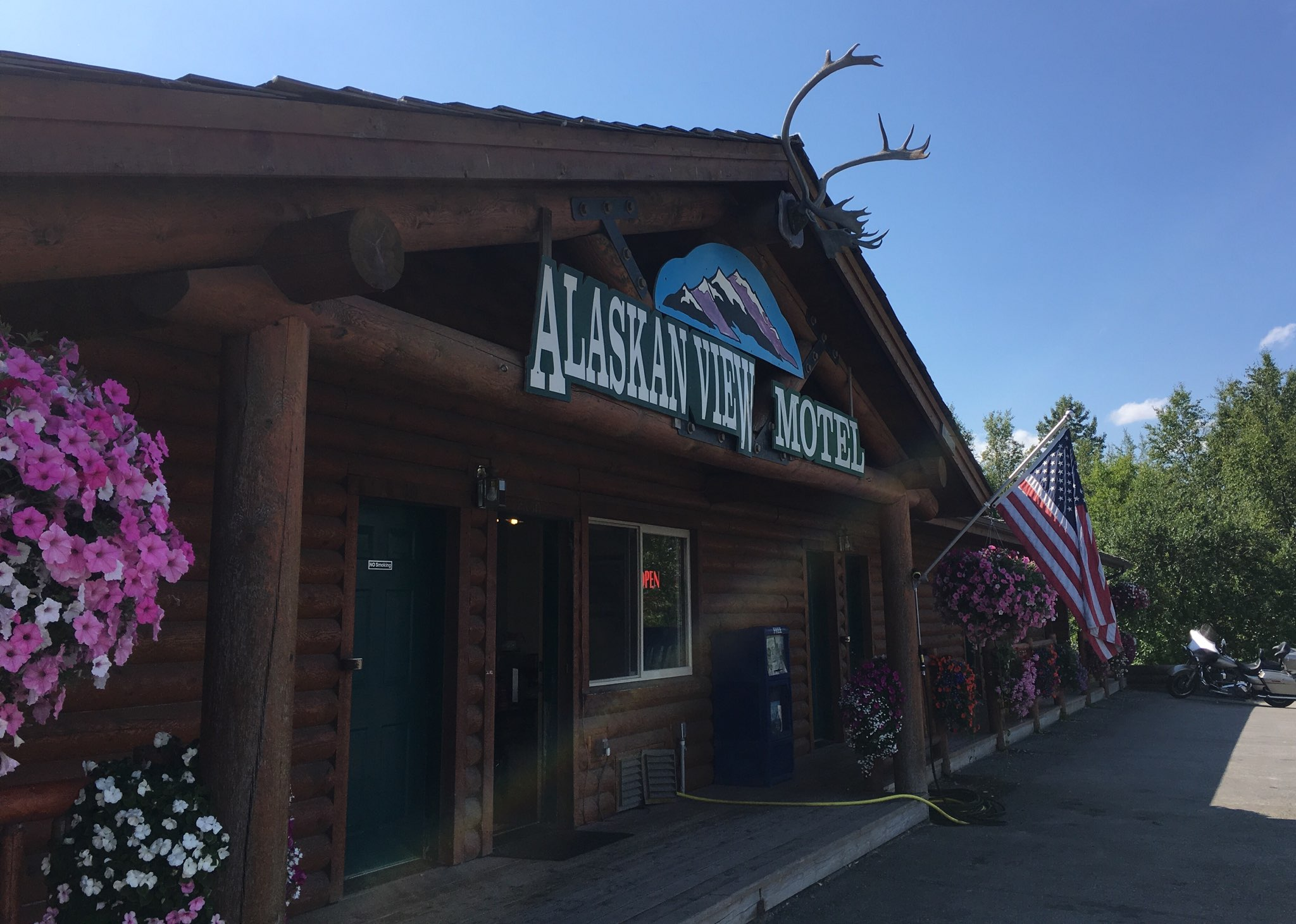 Alaskan View Motel En Route To Denali National Park 2650 E Parks Highway Wasilla Alaska 99654 Mile 40 Minute Drive North Of